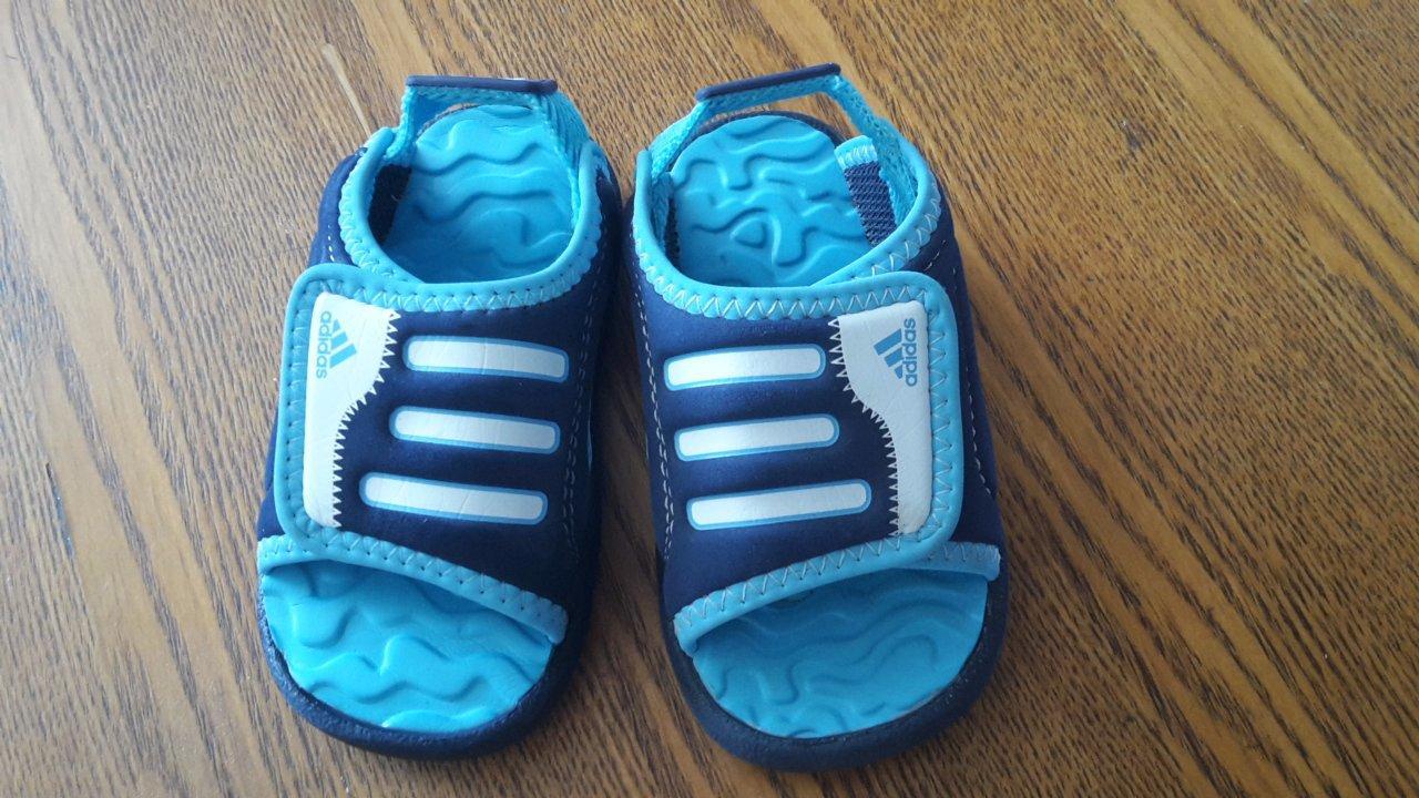 Adidas sandalky e91934a99a9