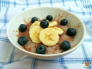 1r.+ pohanková kaše se skořicí, banánem a borůvkami