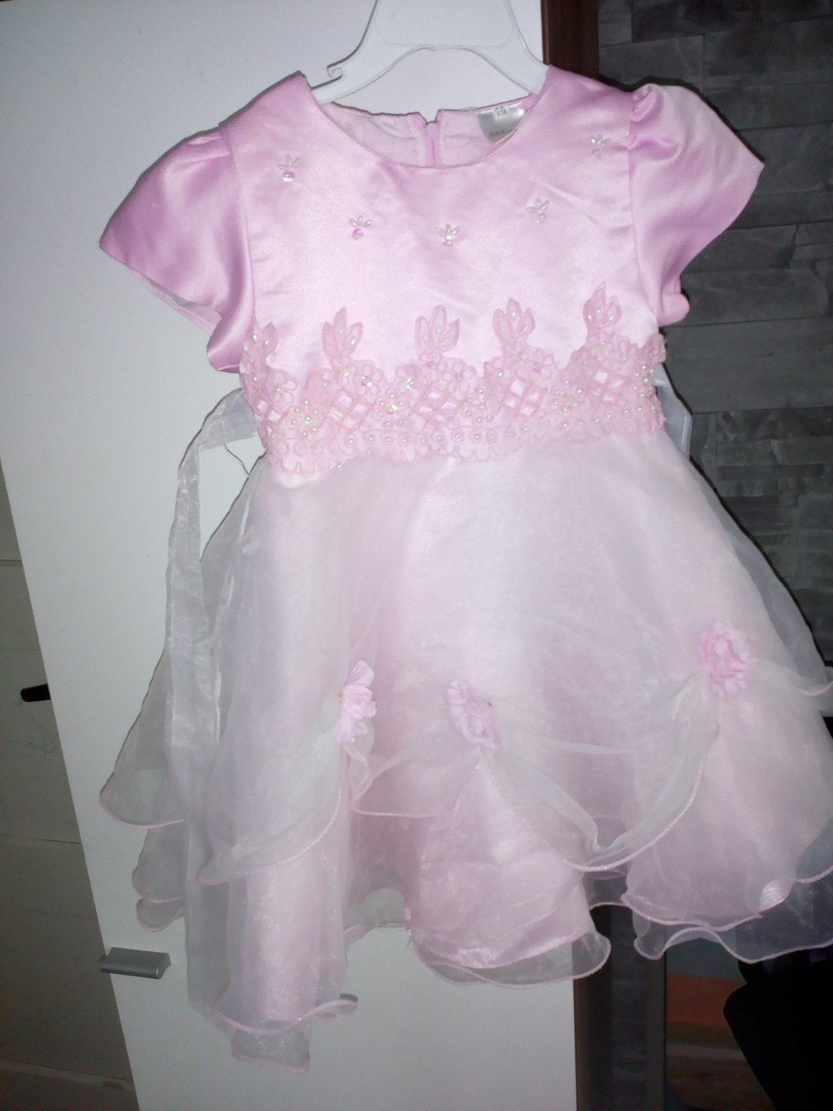 567b0581061a Krásne spoločenské šaty pre malú slečnu