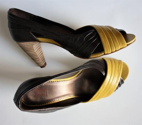 6703f3517d Dámske kožené sandalky   lodičky