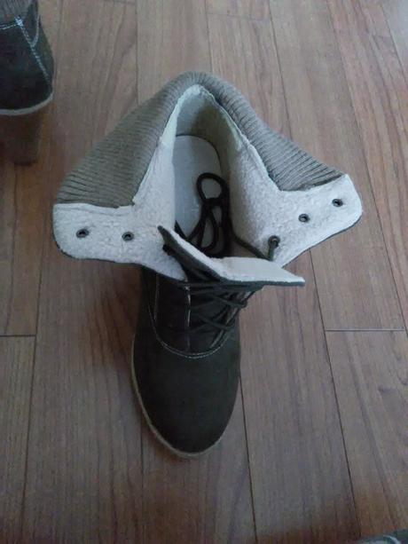 7cd1bdb1fe1e Dámske šnurovacie topánky veľ. 42