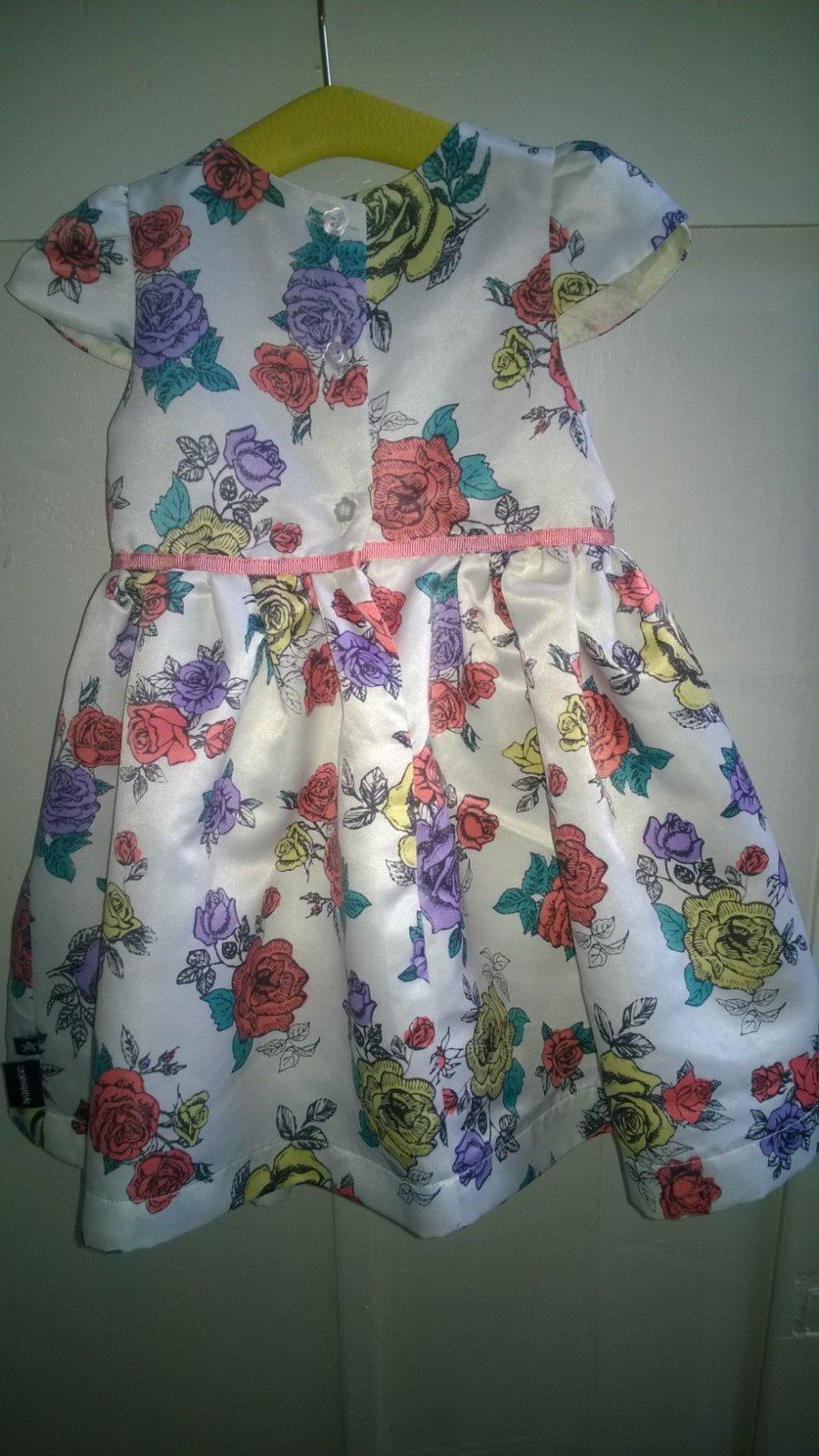 Krásne kvetované šaty bf5ee7625db