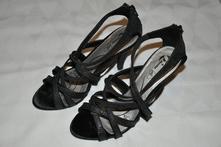 548dcd0a4f93 Plesové remienkové sandále na vysokom podpätku