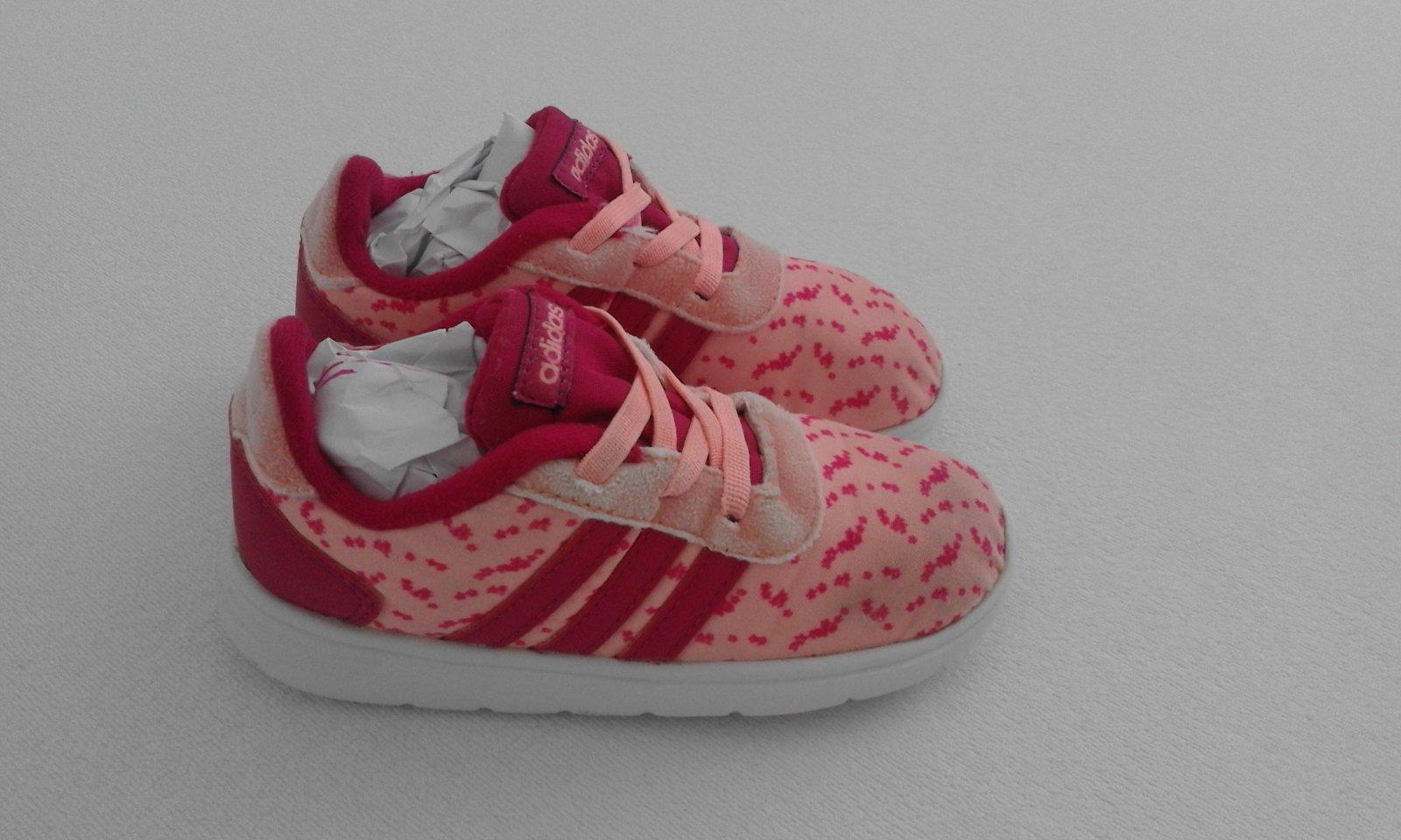a3142df2d Dievčenské botasky zn. adidas č. 26, adidas,26 - 9 € od predávajúcej ...
