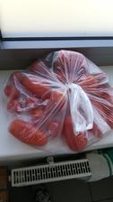Muž doniesol domáce rajčinky