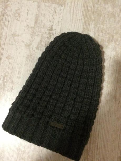 9f6b41176 Damska ciapka d-generation, s - 10 € od predávajúcej convalyarija ...