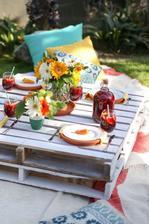 http://www.karaspartyideas.com/2015/04/backyard-cinco-de-mayo-fiesta-diy-taco-bowls.html