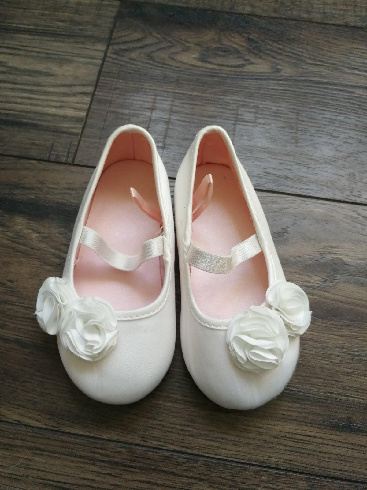 86720efe17 5 inzerátov • 22 hodnotení. Biele balerinky ...