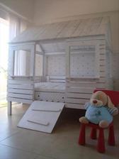 http://www.dumpaday.com/genius-ideas-2/amazing-uses-old-pallets-35-pics/