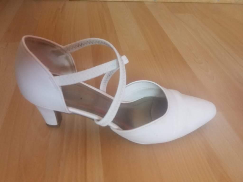 5a512524bf Biele (svadobne) topanky