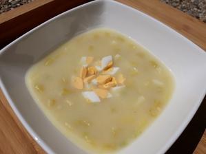 Žlté fazuľky s vajičkom