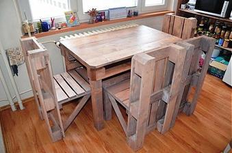 http://www.sashe.sk/martinahrnciarikova/detail/paletovy-kuchynsky-set