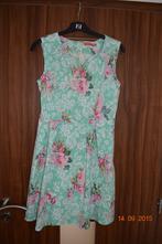 Kvetinové šaty, 40