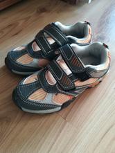 Blikajúce botasy, 27