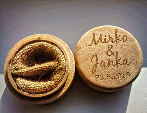 https://www.aliexpress.com/item/Personalized-Rustic-Wedding-Ring-Box-Holder-Custom-Your-Names-and-Date-Wedding-Ring-Bearer-Box/32754054081.html