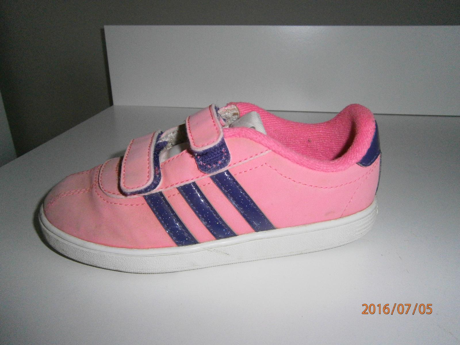 89d9a23b6 Dievčenské botasky zn. adidas, adidas,27 - 12 € od predávajúcej krusetnica  | Detský bazár | ModryKonik.sk