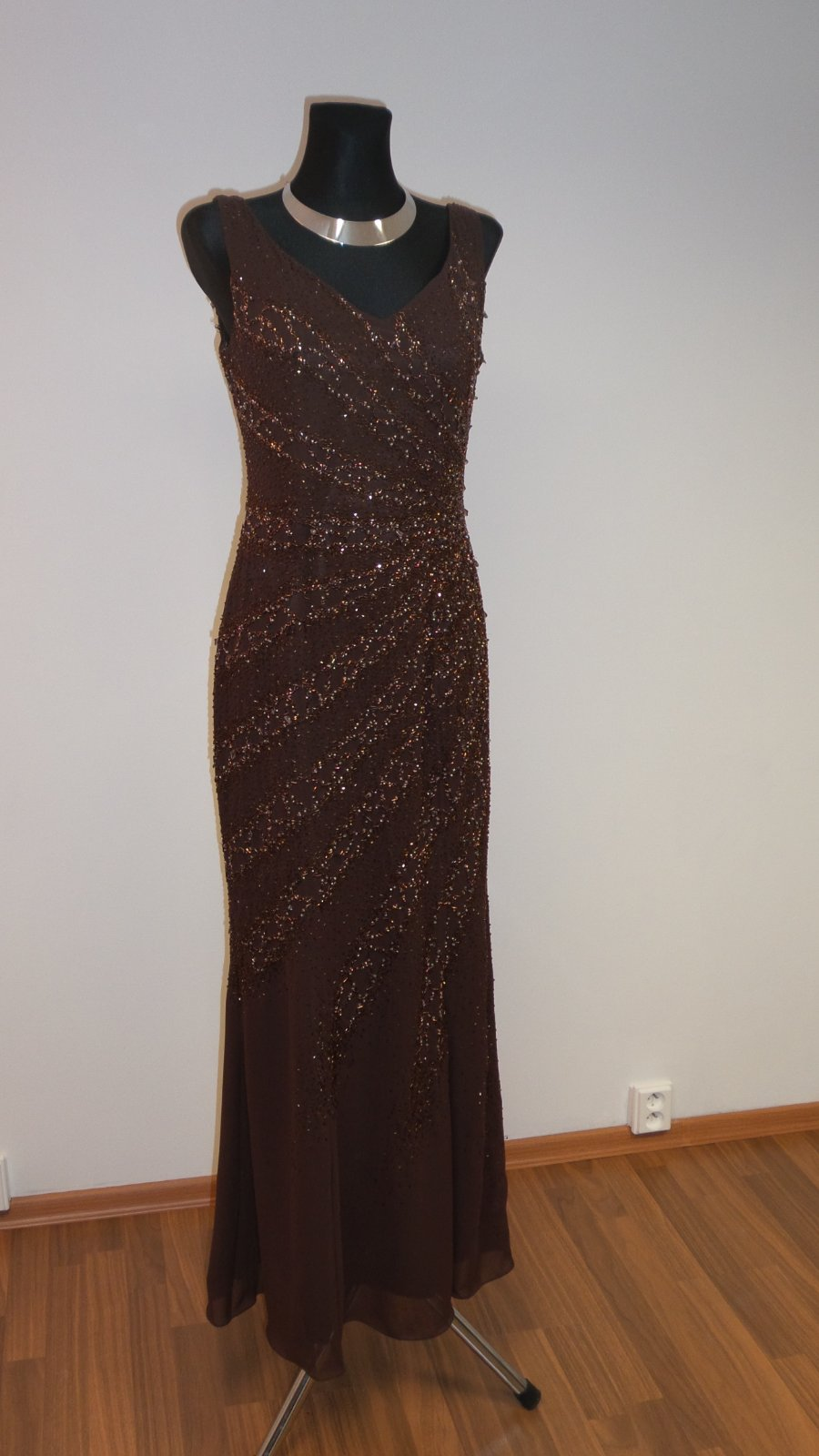 Hnedé spoločenské šaty 8a4f3a42979