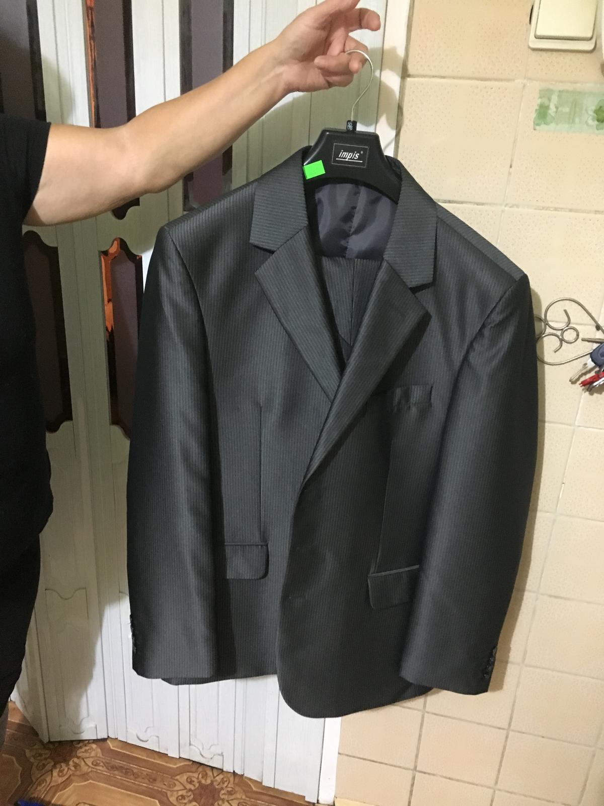07fadd69c4 Pánsky spoločenský oblek