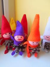 rodinka siskovych elfov sa rozrastla na 10ks a vsetke sa predali na vianocnych trhoch---jej