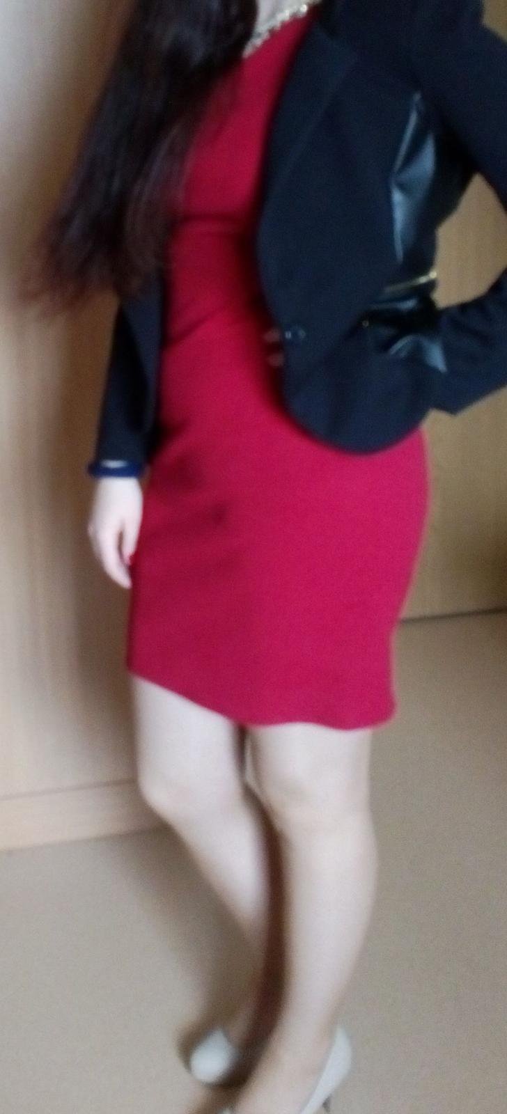 12f89c10af5b Predám bordové šaty
