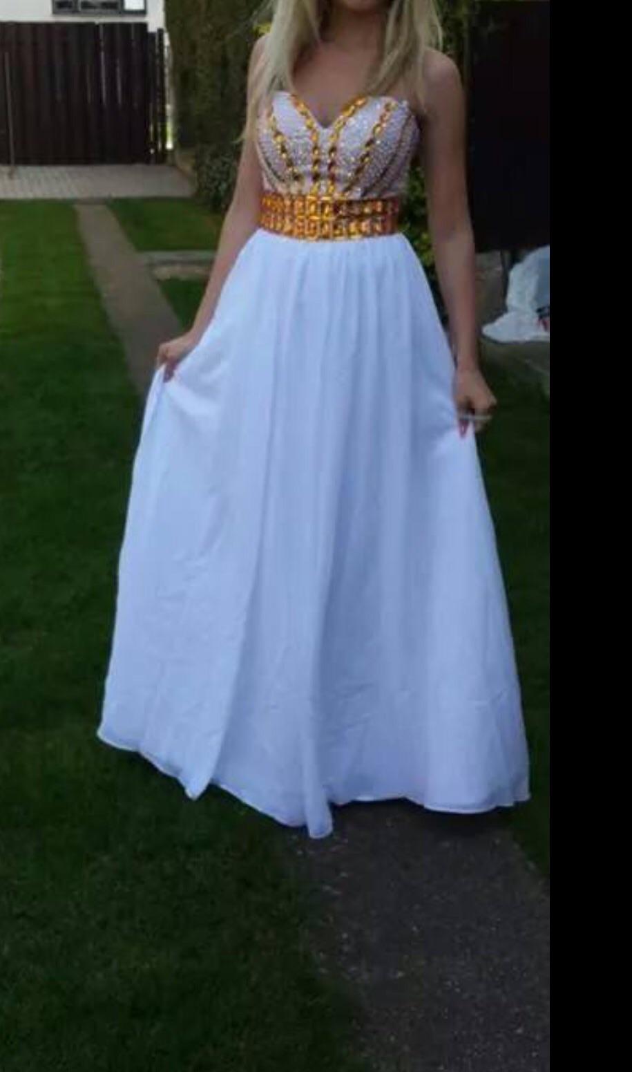 83b7af9df446 Nádherne zlato biele dlhé šaty