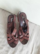 315aa8f8fdf9 Kožené sandálky s drevenou podrážkou č. 36