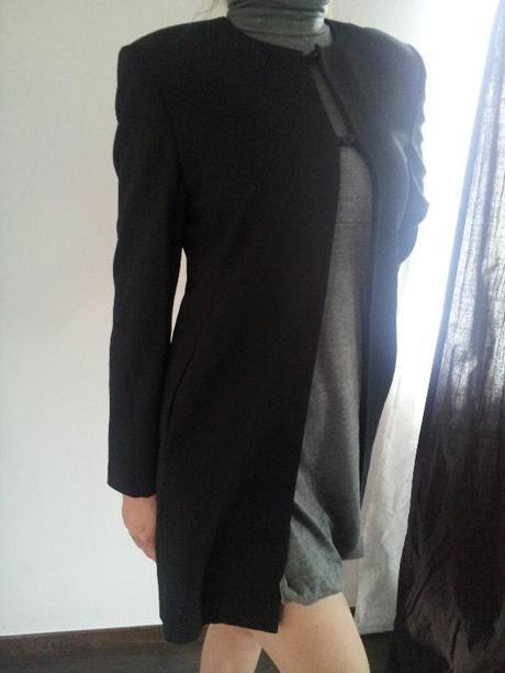 33807c3cf5 Luxusný vintage dámsky čierny kabát marks spencer