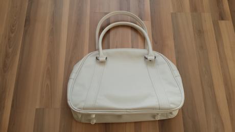 f3e7b65aab Nenosená biela adidas taška