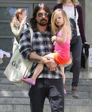 Dave Grohl ( Nirvana / Foo fighters ) - Harper ( * 2009 )