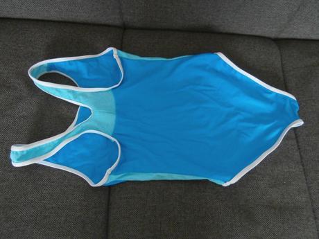3313877568a4e Dievčenské celé plavky č.128, kik,128 - 5 € od predávajúcej ...