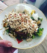 Grilovaná zeleninka, cottage,kuskus a chilli tofu