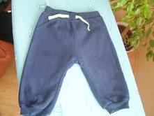 Tmavomodré fleesové nohavice, f&f,74