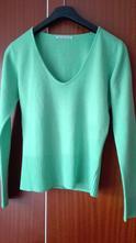 Zelený sveter, s