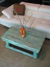 http://palletfurniturediy.com/pallet-table/diy-aqua-pallet-coffee-table/