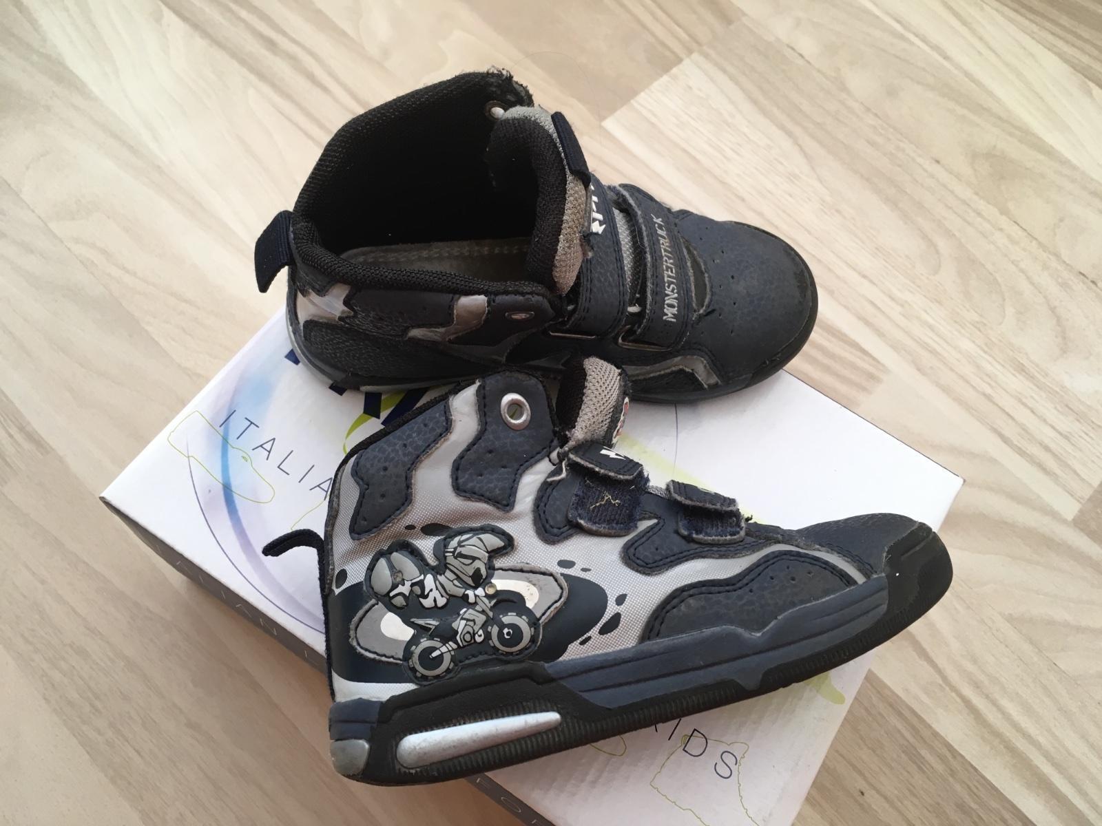0ffc1703a00d6 Blikajúce topánky primigi, primigi,27 - 8 € od predávajúcej pmp8 | Detský  bazár | ModryKonik.sk