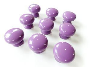 fialové knobky