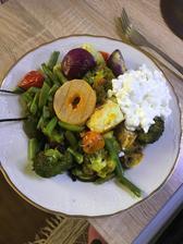 Obedík 🥗 grilovaná zeleninka, cottage a olomoucky syrecek
