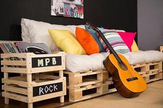 http://www.101palletideas.com/diy-pallet-sofa-ideas/10/