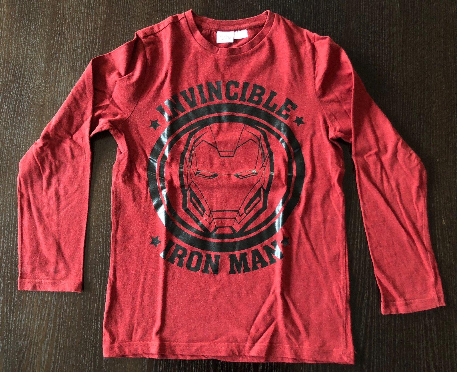 328eac10bcf8 Červené tričko