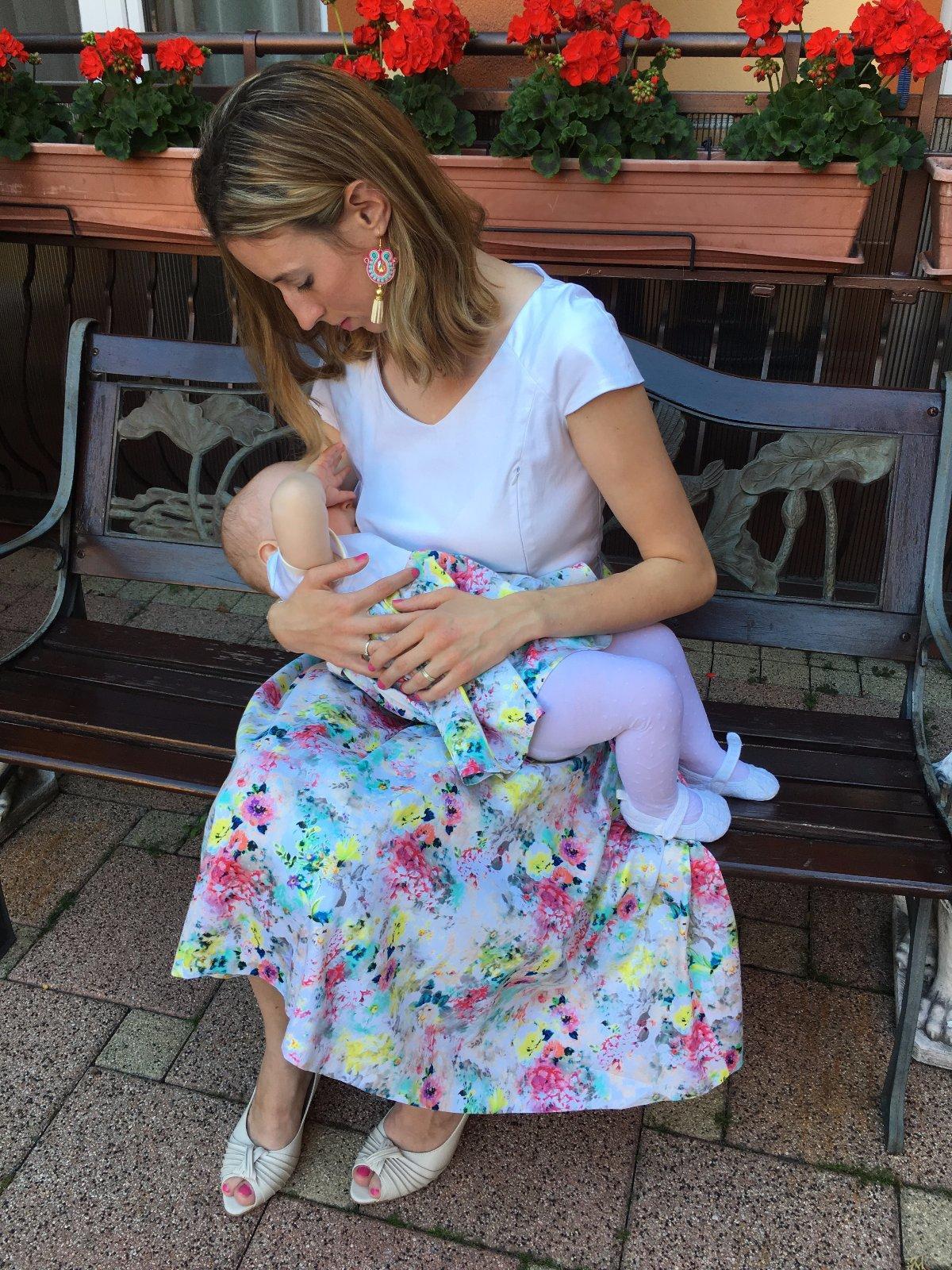 Spoločenské šaty pre dojčiace matky - Modrý koník 9ba958fa2a9
