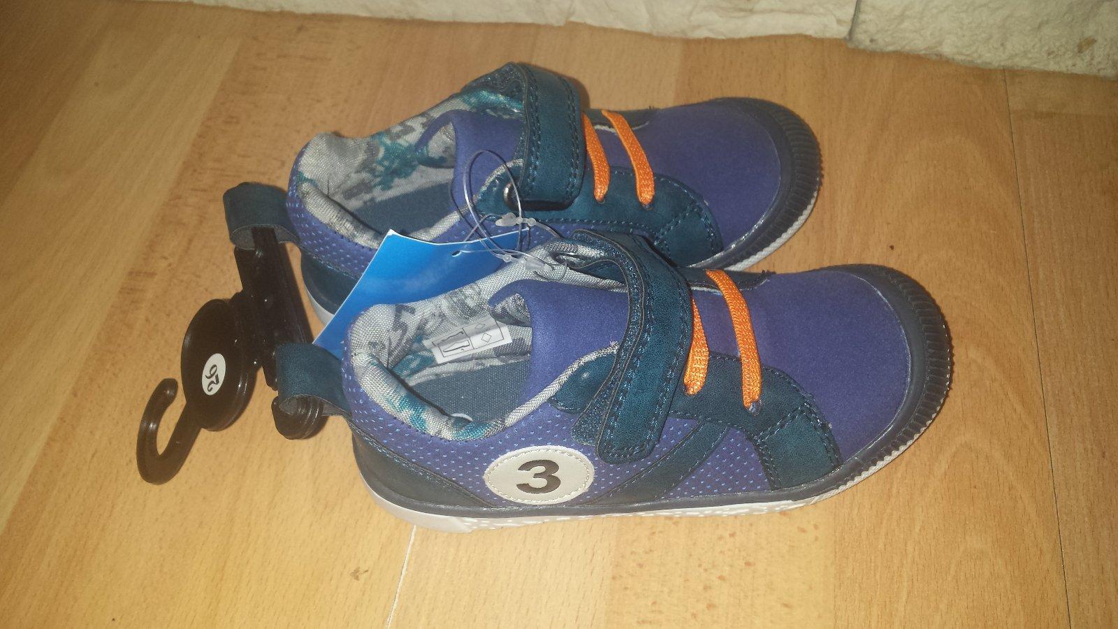 91761c7470356 Prechodné topánky, kik,26 - 10 € od predávajúcej 77susana | Detský bazár |  ModryKonik.sk