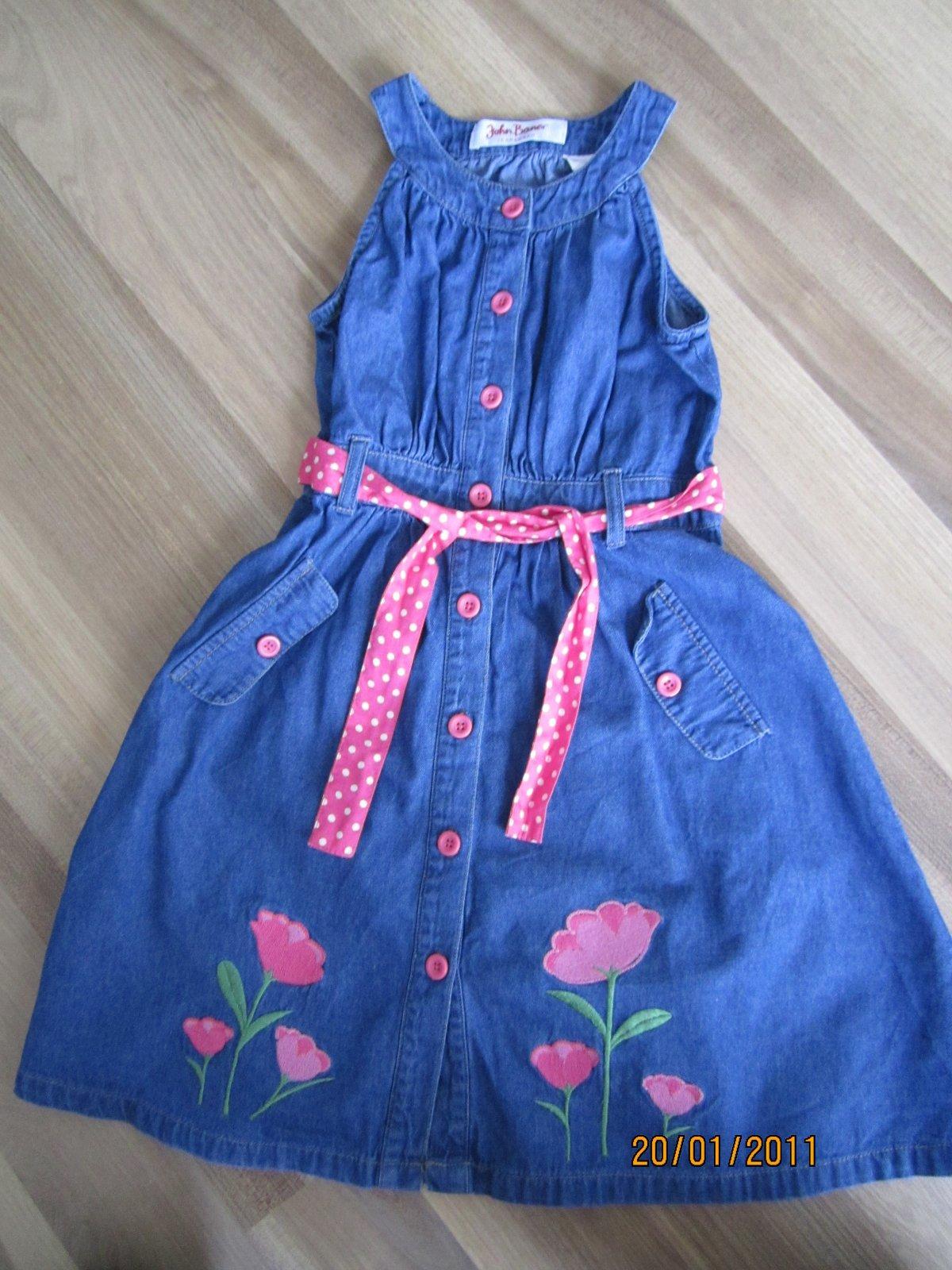 2a037124ea4e Džínsové šaty s kvetmi
