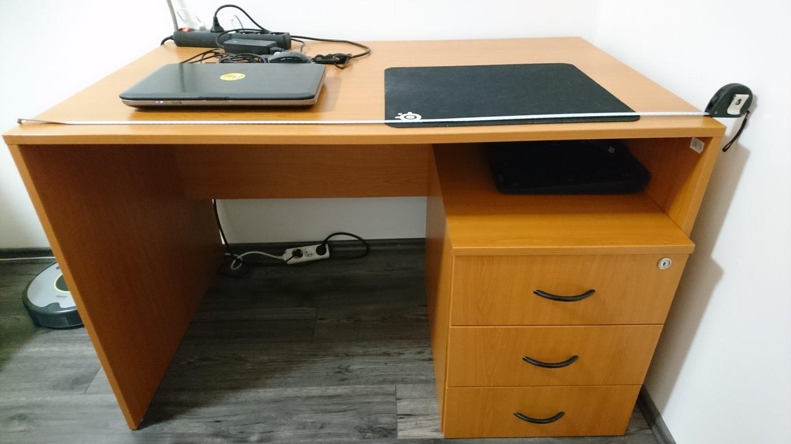 9abbe08d116d Kancelársky a písací stôl
