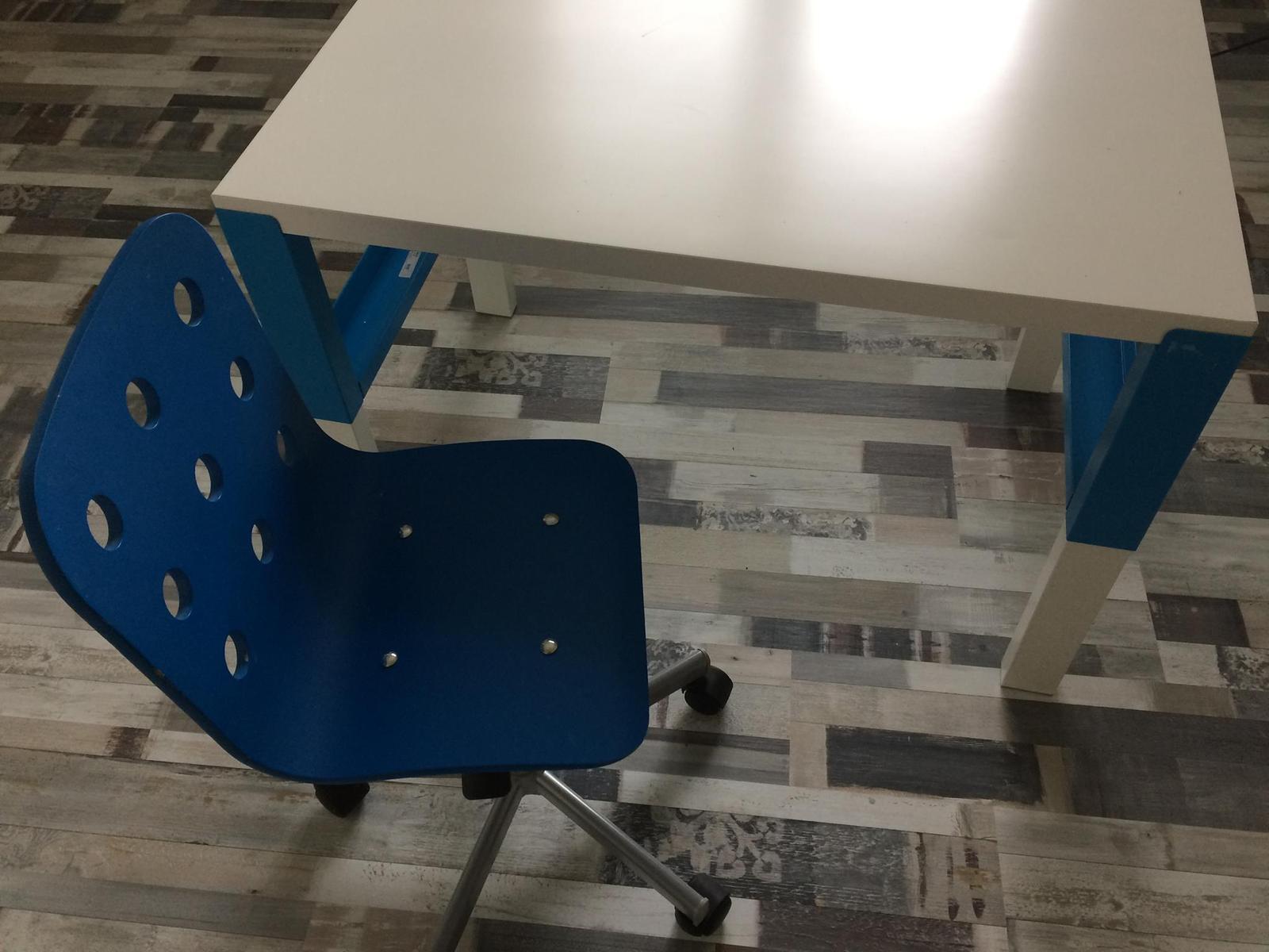 abfc49e0d11e Stôl