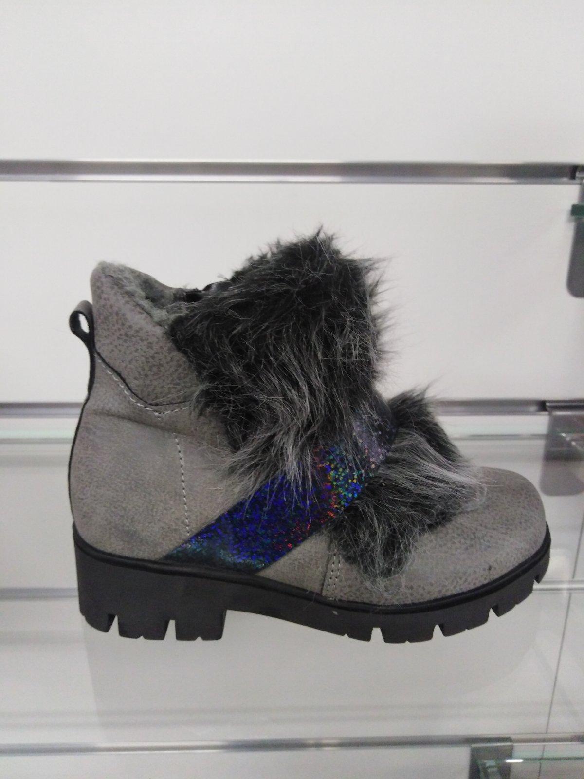 a7bb698c2f Dievčenské zimné topánky 18 10797 b