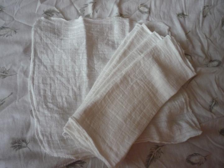 Kikko - bambusové štvorce - 30x30, používame ich na bavlnené štvorce, resp. ako prevenciu proti zapareninkám. bambus je liečivý :)