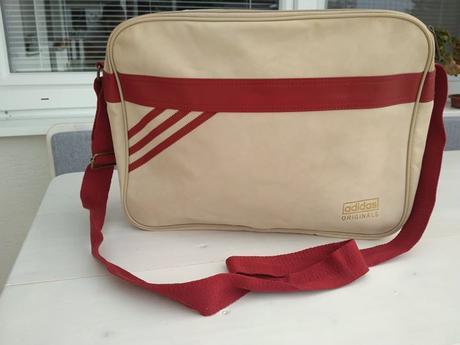 0bfbe07de9 Adidas originals táška nová