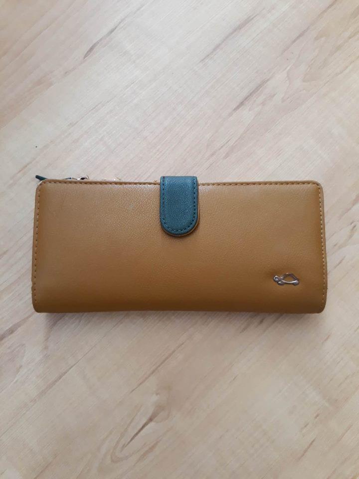 330b6d0dc40d8 Peňaženka carpisa, - 4 € od predávajúcej alica65 | Detský bazár |  ModryKonik.sk