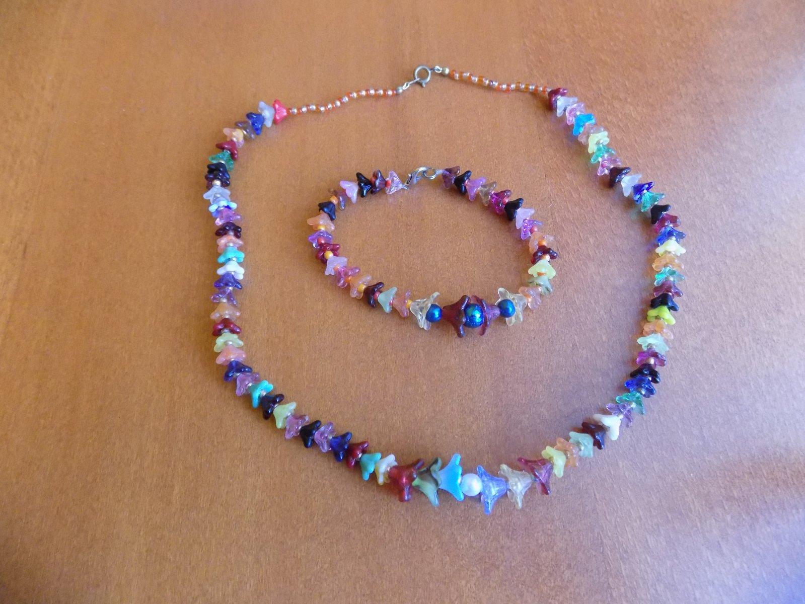 244006945 Mnohofarebný nový náhrdelník s náramkom, - 2 € od predávajúcej roza11 |  Detský bazár | ModryKonik.sk