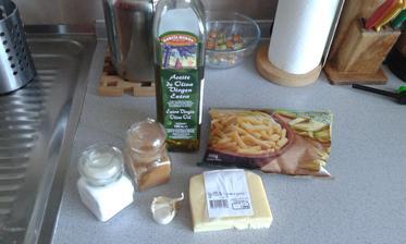 2.den - obed - mrazene lusky, olej, cesnak, sol, korenie, 30% tvrdy syr, a aj 5.den obed